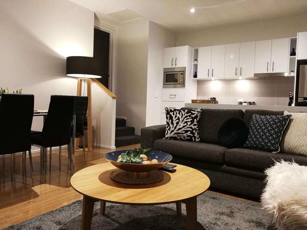 Hobart-Cityscape-Apt-3-lounge-dining
